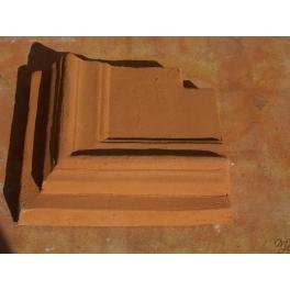 Angolo cornice sagomata in terracotta