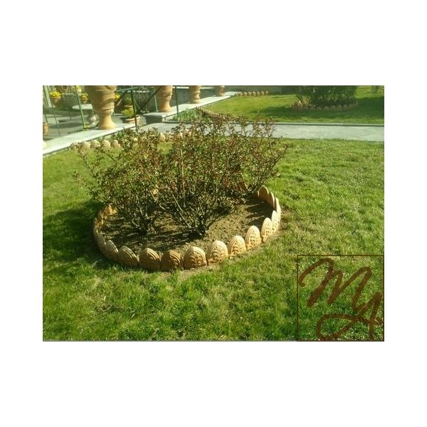 Mattonella per aiuola for Elementi da giardino